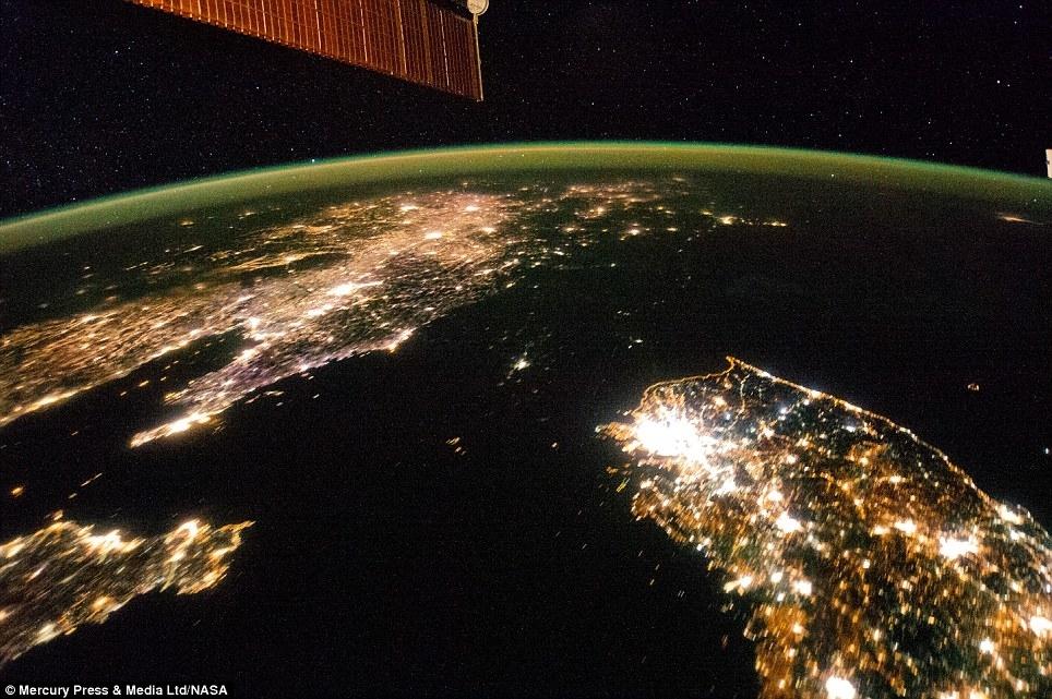 Ночное фото Южной и Северной Кореи