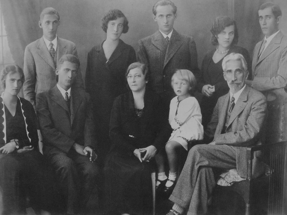 Семья Крушельницких