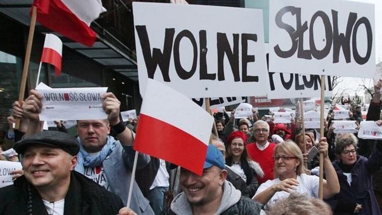 Митинги и протесты в Польше