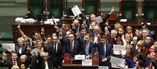 Митинги в Польше