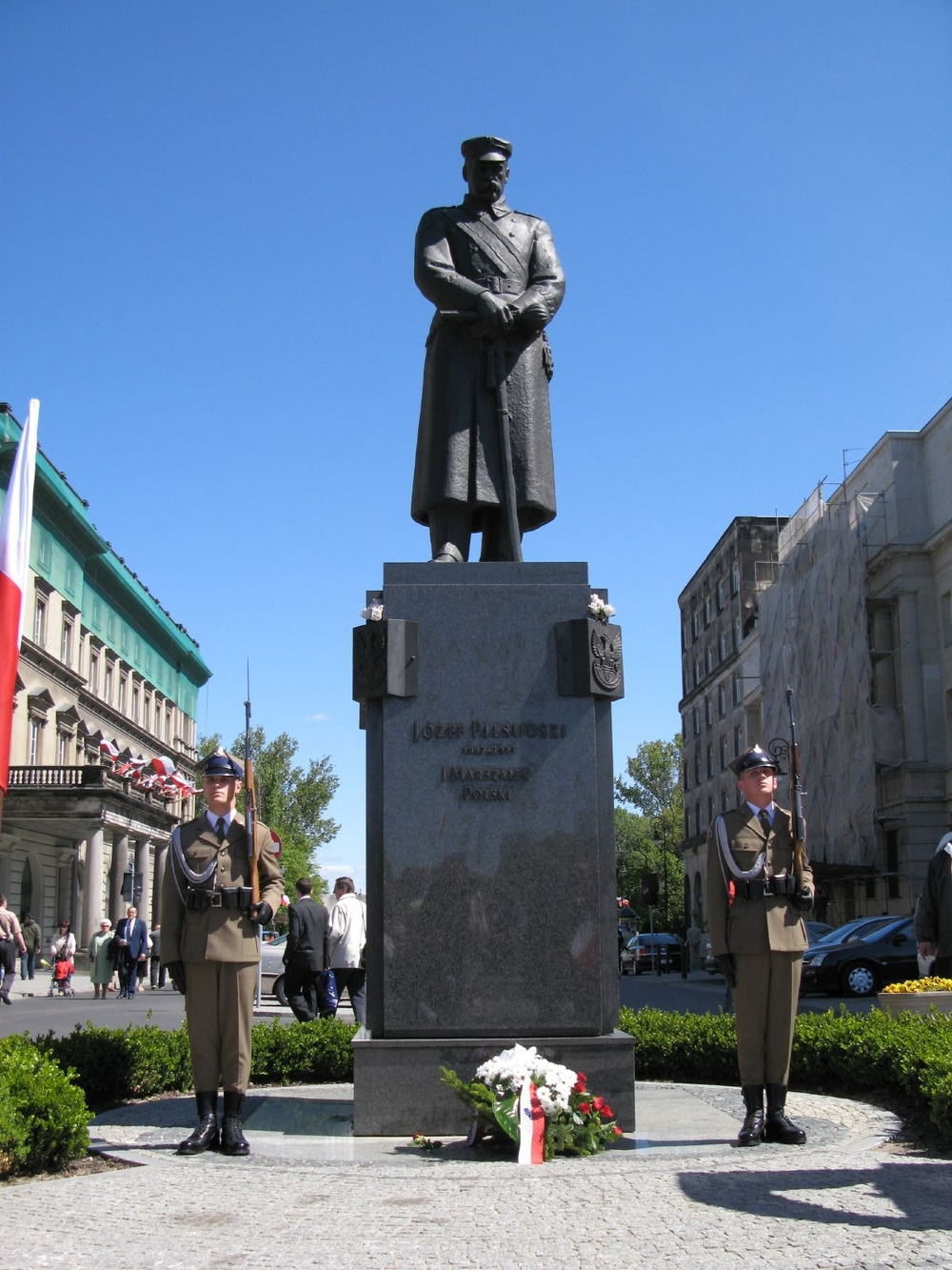 Памятник Пилсудскому в Варшаве