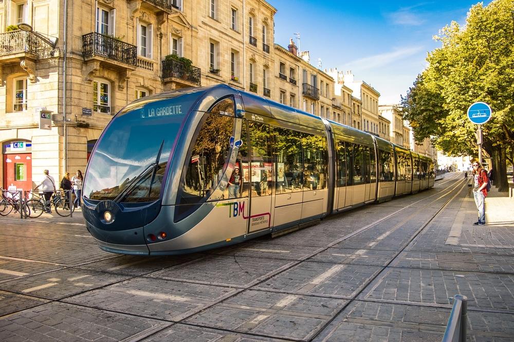 Беспроводной трамвай Бордо