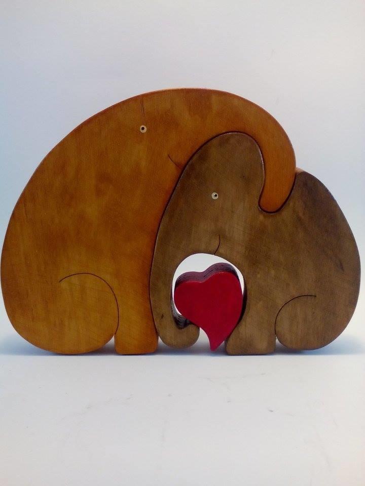 love between elephants