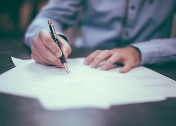 4 юридические компании, которые помогут составить договор и не разориться