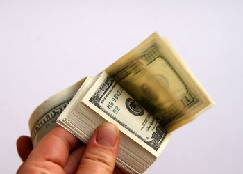 Камень на шее: что ставка по твоему кредиту говорит о состоянии экономики страны