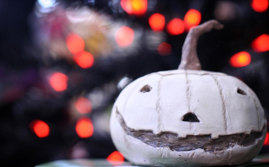 """11 причин, по которым Хэллоуин в 25 лет """"уже не торт"""""""