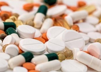 Почему ученые уверены, что лекарства безопасны: как происходят клинические испытания на людях