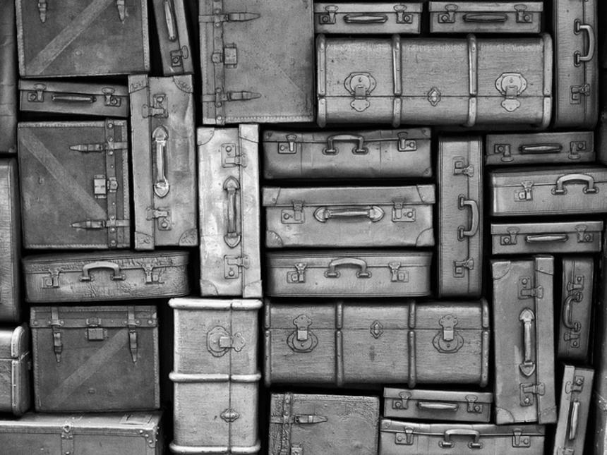 Пинок под зад правительству: 8 шокирующих фактов об эмиграции из Украины